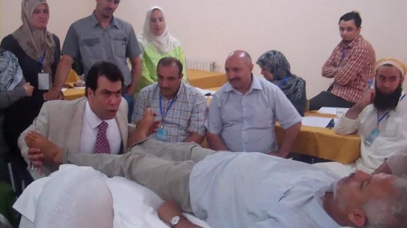 -صور لطلاب مركز البيان في العاصمة الجزائرية مع الإختصاصي محمد رضى عمرو (50)